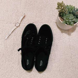black velvet shoes :)